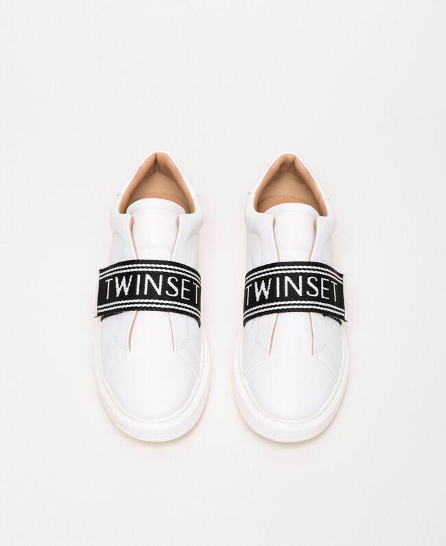 Sneakers aus Leder mit Logo Weiß Frau 201TCP134-05