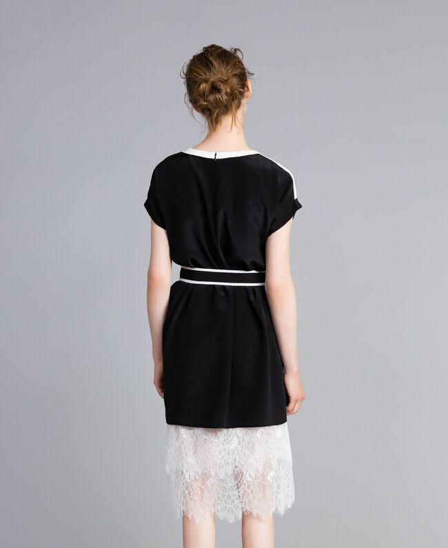 Kleid aus Seide mit Rüschen Zweifarbig Schwarz / Schneeweiß Frau PA82EU-03