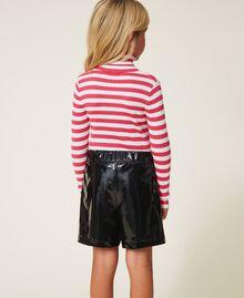 Shorts in Lackoptik Zweifarbig Schwarz / Pink Gloss Kind 202GJ213B-04