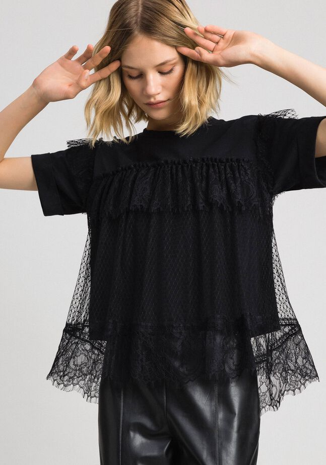 Valenciennes lace flounce blouse