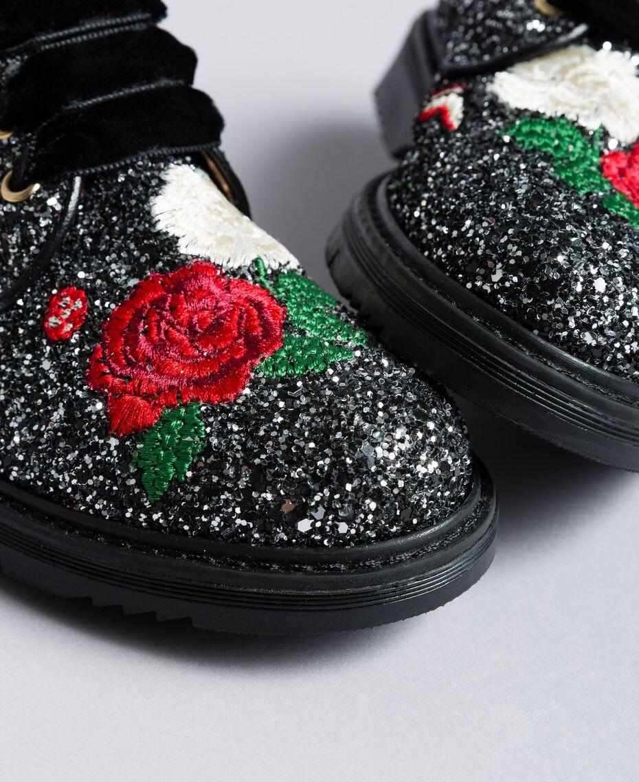 Блестящие туфли на шнуровке с вышивкой Двухцветный Черный / Блестящий Серебристый Pебенок HA88C5-01