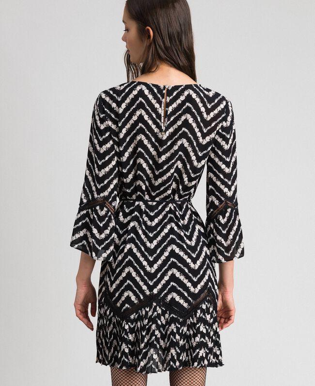 Robe avec imprimé floral à chevrons et dentelle Imprimé Chevrons Noir / Blanc Neige Femme 192TP2520-04