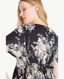 Kleid mit Print Blumenbouquetprint Schwarz Frau YS82PA-04