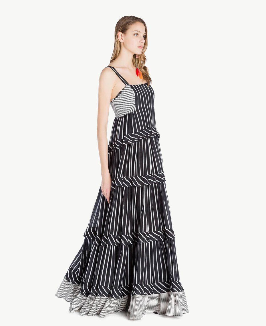 Langes Kleid mit Prints Gestreifter Patch-Print Frau TS82ZT-02