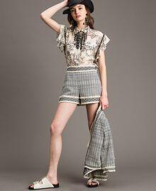 "Ethnic-motif jacquard shorts ""Marzipan"" Beige / Black Jacquard Woman 191TT2432-0T"