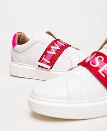 Baskets en cuir avec bande siglée Multicolore Blanc Opaque / Rouge «Géranium» / Rose «Jazz» Femme 201TCT064-02
