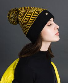 Jacquard knit beret with pompom Yellow / Black Woman 192MO531A-0S