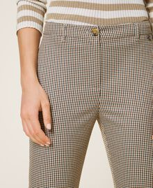 Pantalon cigarette avec motif à carreaux Petit Carreau Marron Femme 202MT2502-04