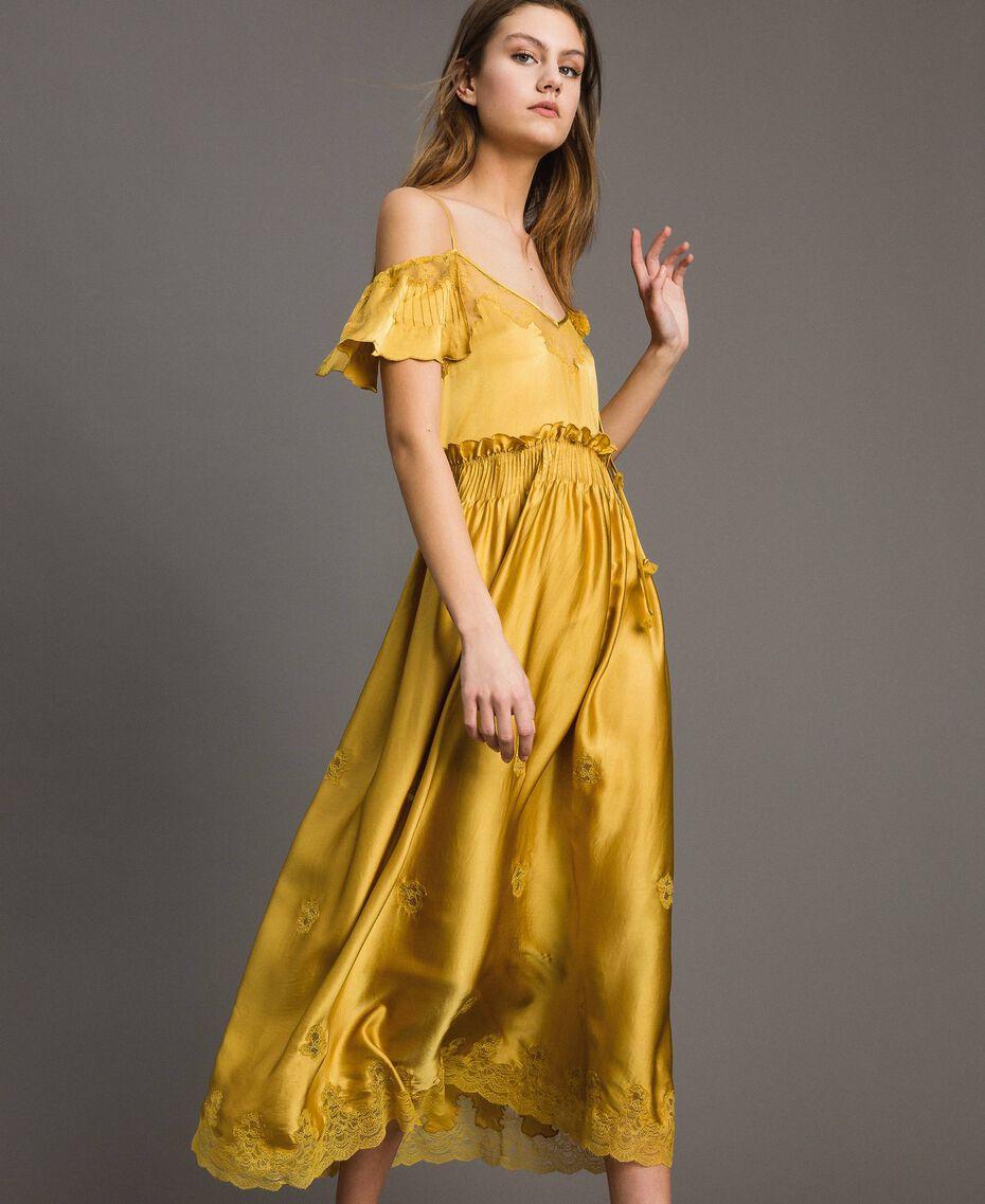 """Robe longue en satin de soie avec bordures en dentelle Or """"Miel Doré"""" Femme 191TT2011-01"""