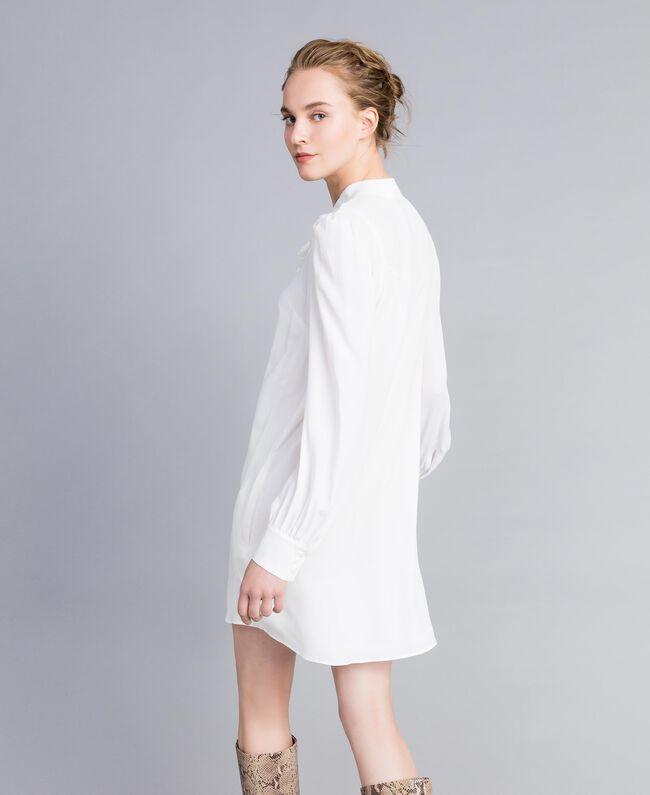 Tunikakleid aus Seidenmischung Weiß Schnee Frau PA828D-03