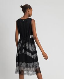 Chantilly lace dress with contrasting inlays Black / Creamy White Woman 192ST2114-03