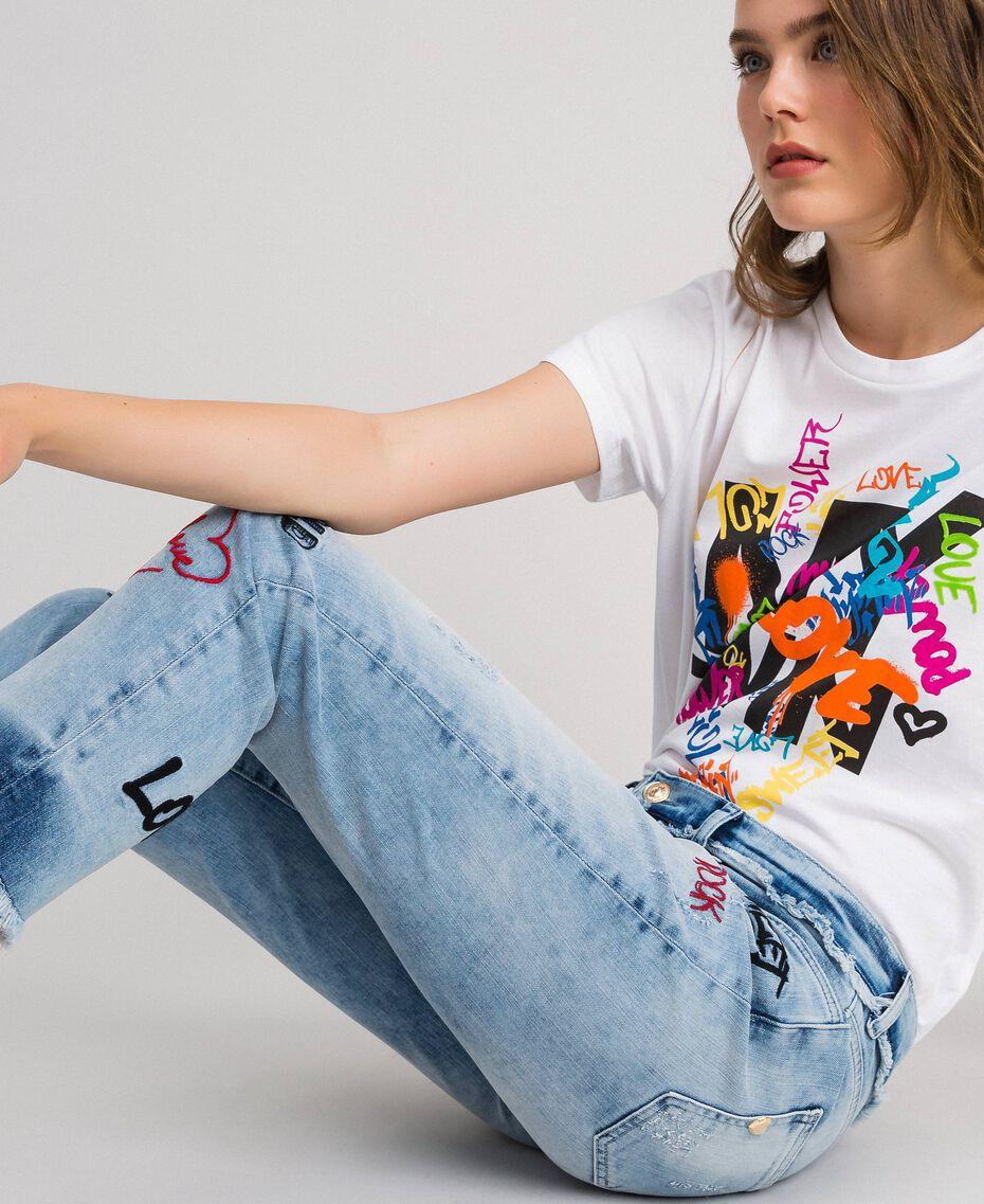 Five-Pocket-Jeans mit Stickereien Denimblau Frau 192MP2190-03