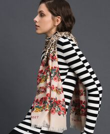 Knit scarf with floral and animal print Leo / Flower Mix Print Woman 192TA441M-0S