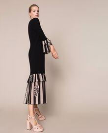 Трикотажное платье с набивными оборками Двухцветный Черный / Принт Полоска женщина 201TP3252-02