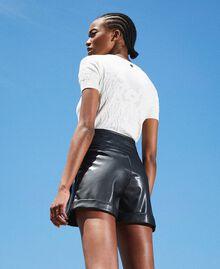 High-Waist-Shorts aus Lederimitat Schwarz Frau 202TP2060-04