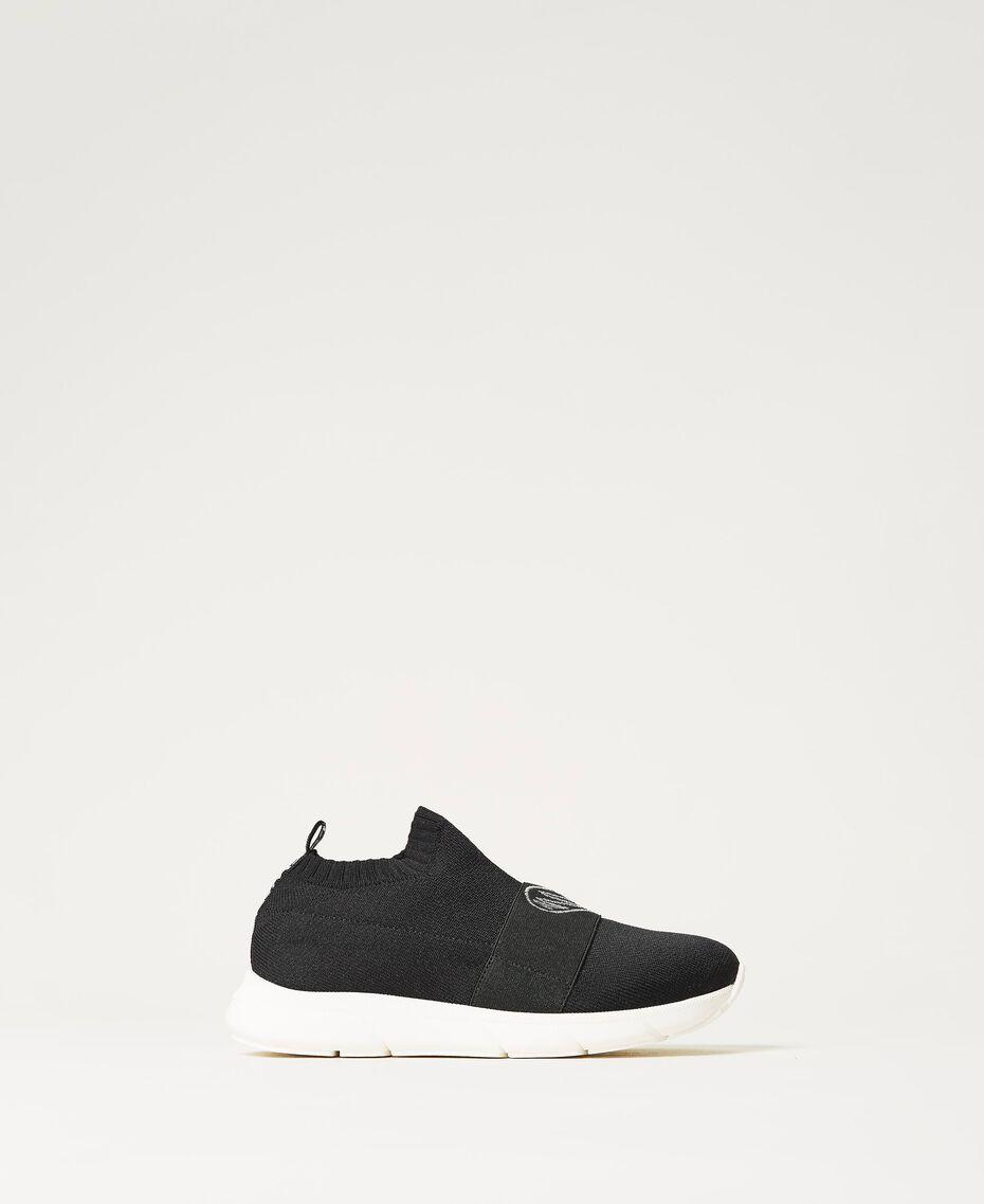Sneakers con bordado de corazón Negro Niño 211GCJ030-01