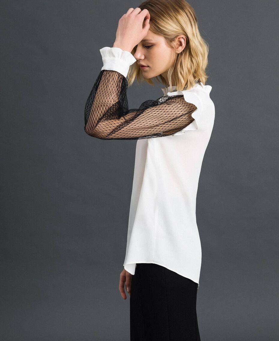 Blouse en crêpe de Chine de soie mélangée et tulle Bicolore Noir / Blanc Neige Femme 192TP2362-02