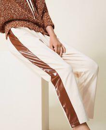 Pantalón con inserciones de charol Bicolor Cloud Pink / Marrón «Terracota» Mujer 202LI2JCC-05