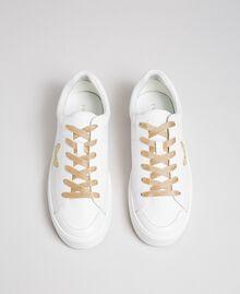 Sneakers in pelle con ricamo a farfalla Bianco Donna 192TCP06A-04