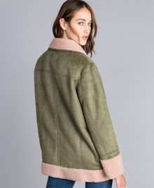 "Faux shearling jacket Bicolour Alpine Green / ""Nude"" Pink Woman JA82G1-03"