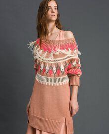 Maxi pull jacquard avec broderies et plumes Jacquard Fair Isle Noir Rose «Rose Nude» Femme 192TT3310-01