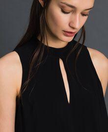 Kleid aus Georgette mit abnehmbarem Schmuck Schwarz Frau 192TP2111-04