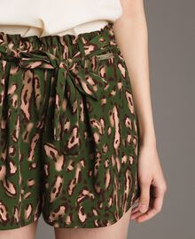 Animal print shorts Amazon Green Animal Print Woman 191LM2UJJ-04