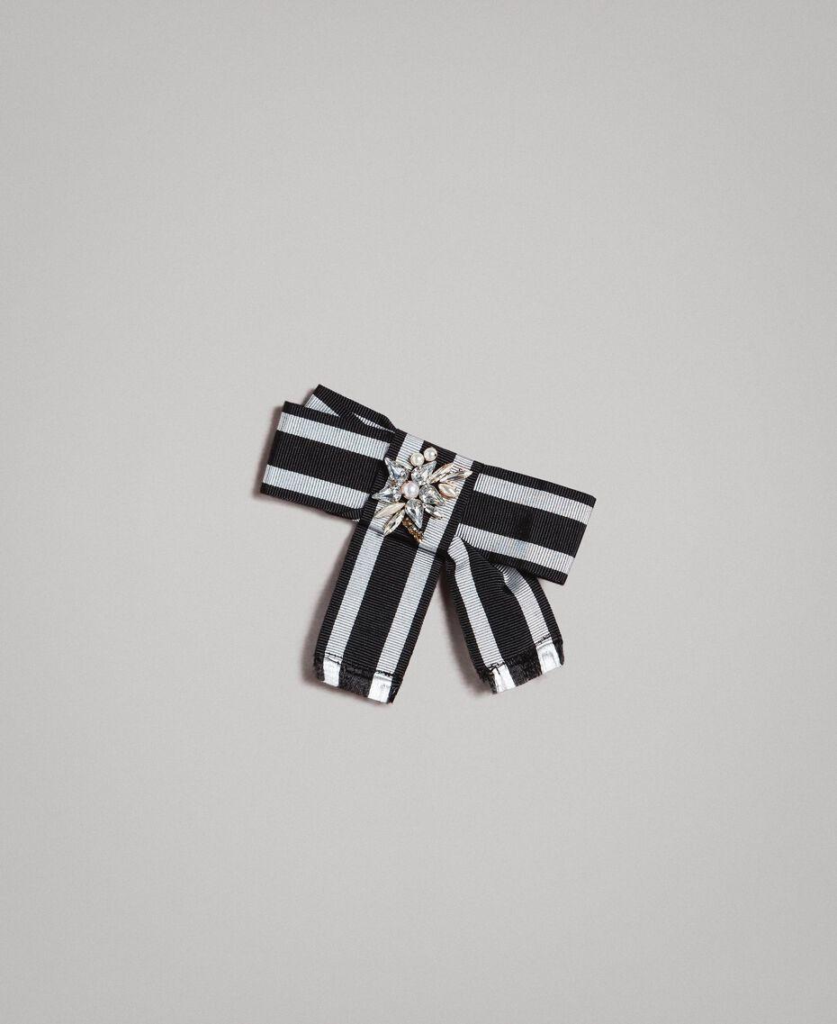 Kleid mit Tupfenmuster und Schleifenbrosche Zweifarbig Schwarz / Weiß Frau 191MP2361-20