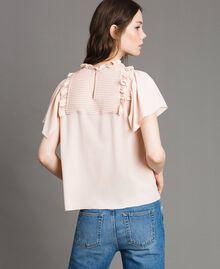 Rüschen-Bluse aus Seide-Mix Blütenknospenrosa Frau 191TP2136-03