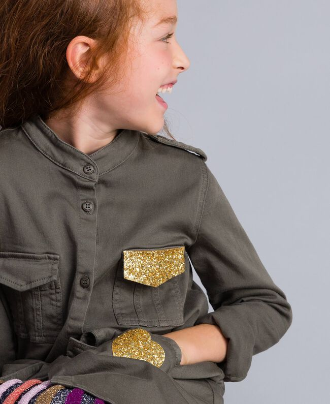 Hemdblusenkleid aus Baumwolle mit Stern Olive Kind GA827R-04