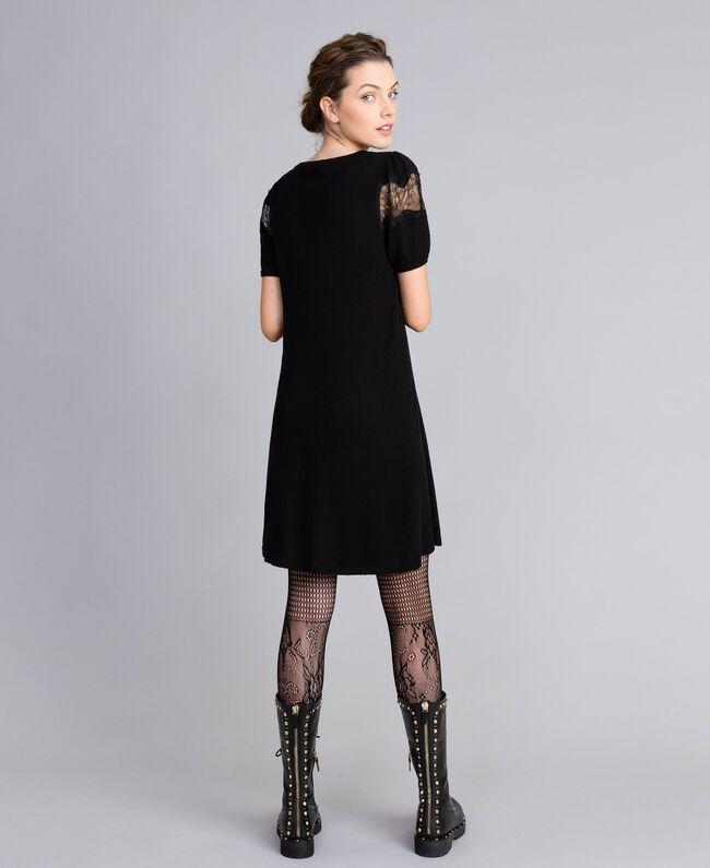 Robe en laine mélangée avec incrustations en dentelle Noir Femme PA83AA-03