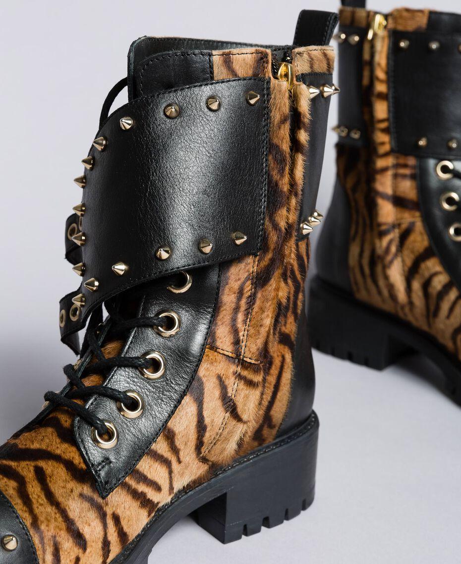 """Schnürstiefelette aus Leder mit Animaliereinsätzen Print """"Tiger"""" Frau CA8TEJ-02"""