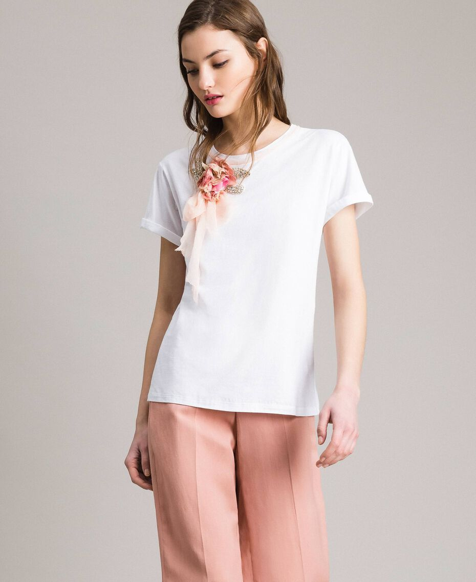 Flower and rhinestones T-shirt White Woman 191TP2602-02