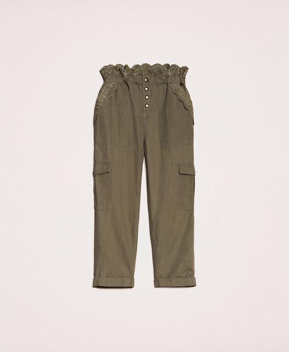 Pantalon en toile avec broderie anglaise