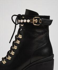 Schnürstiefelette aus Leder mit hohem Absatz und Perlen Schwarz Frau 192TCP01C-05