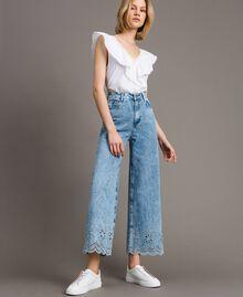 Weit geschnittene Jeans mit Broderie-Anglaise Denimblau Frau 191MP2010-01