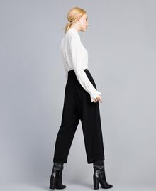 Pantaloni cropped in envers satin Nero Donna TA824K-03