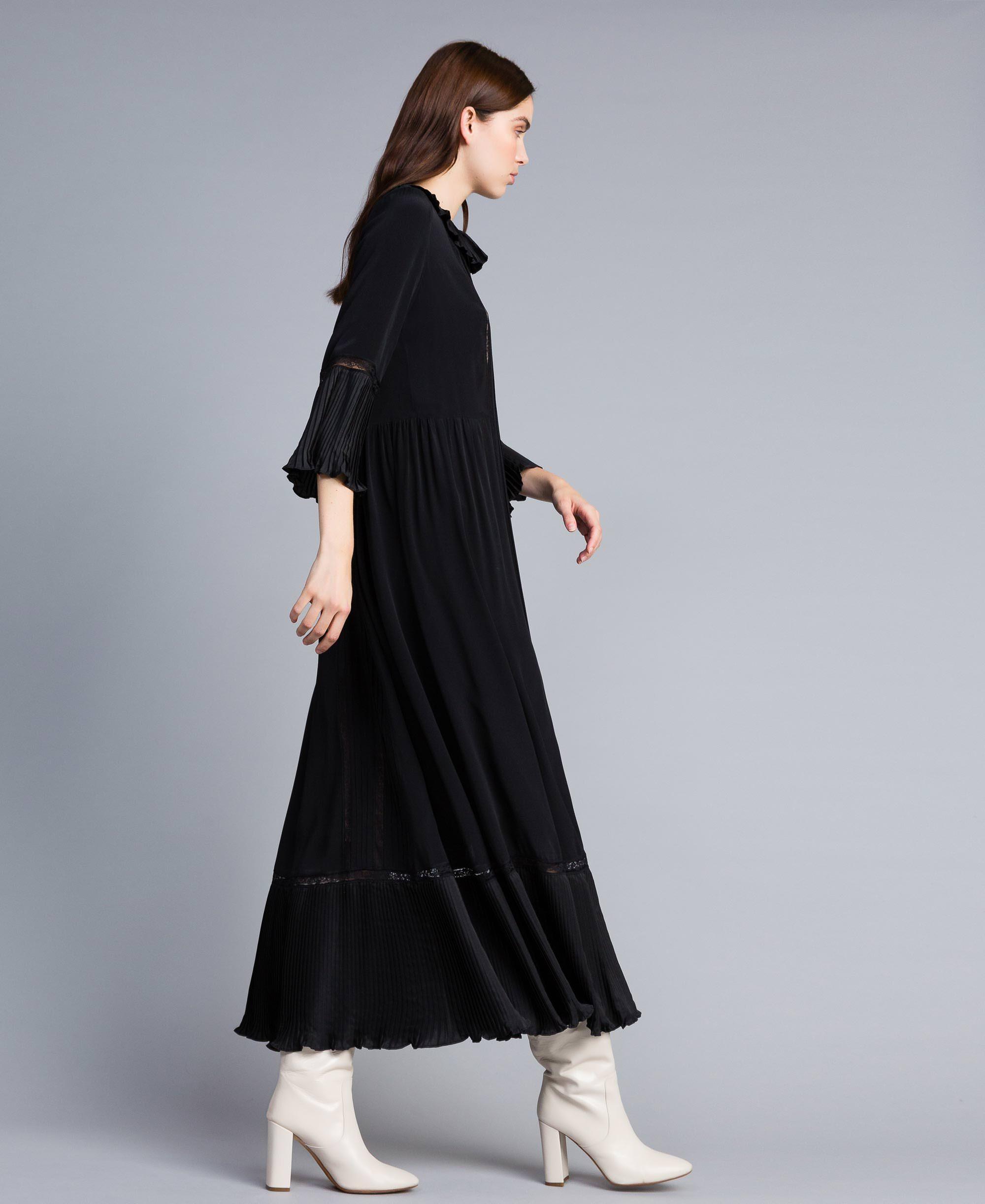 Vestido negro plisado largo
