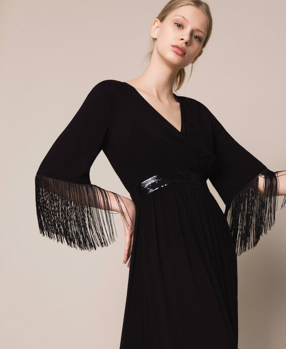 Robe mi-longue avec franges