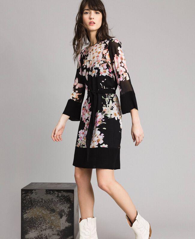 f69ed443d135 Abito a tunica in georgette a fiori Stampa Black Rosa