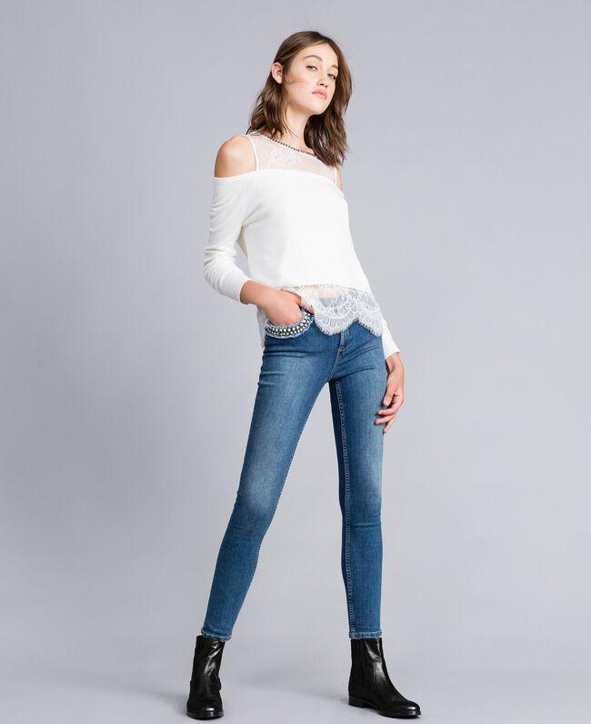 Jean skinny avec broderie Bleu Denim Femme JA82V4-01