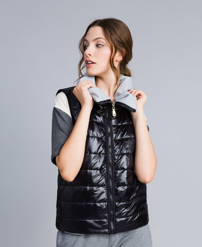 Reversible quilted gilet Black Woman IA85QQ-01