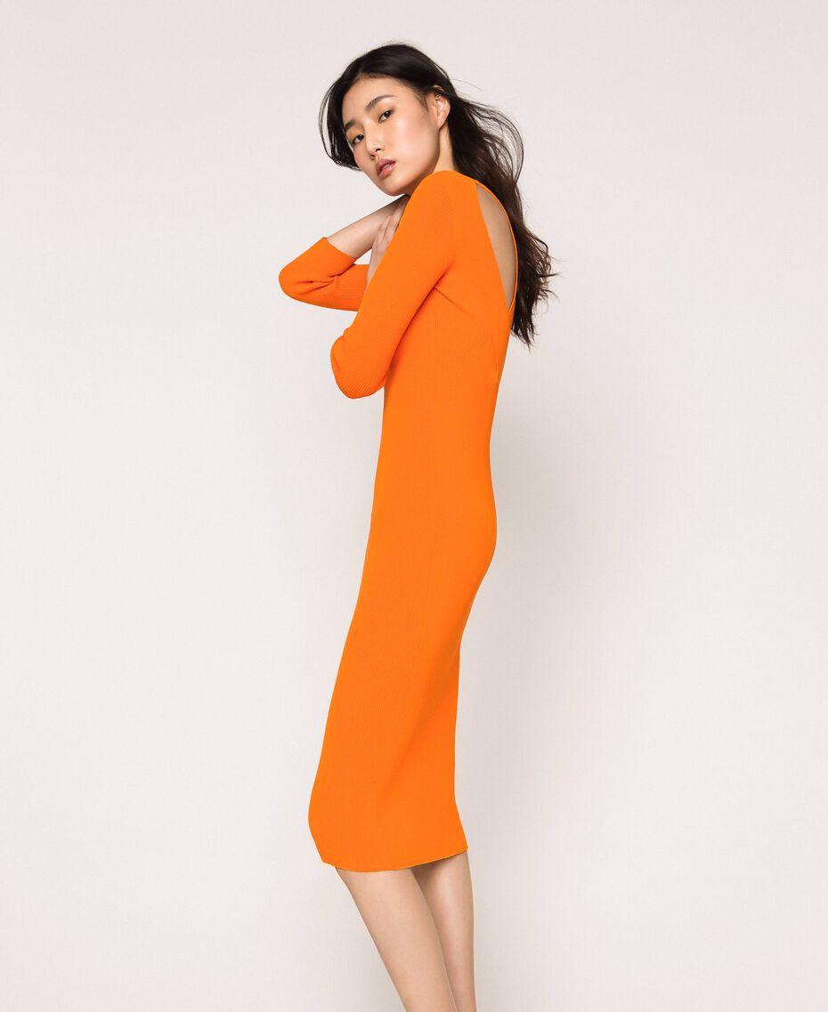 Robe longue côtelée ouverte dans le dos Orange «Calendula» Femme 201MT3032-01