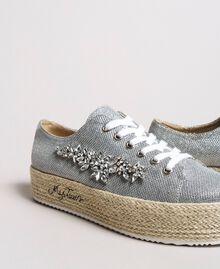 Mesh-Sneakers mit Steinen und Logo Silber / Nickel Frau 191MCP03G-01