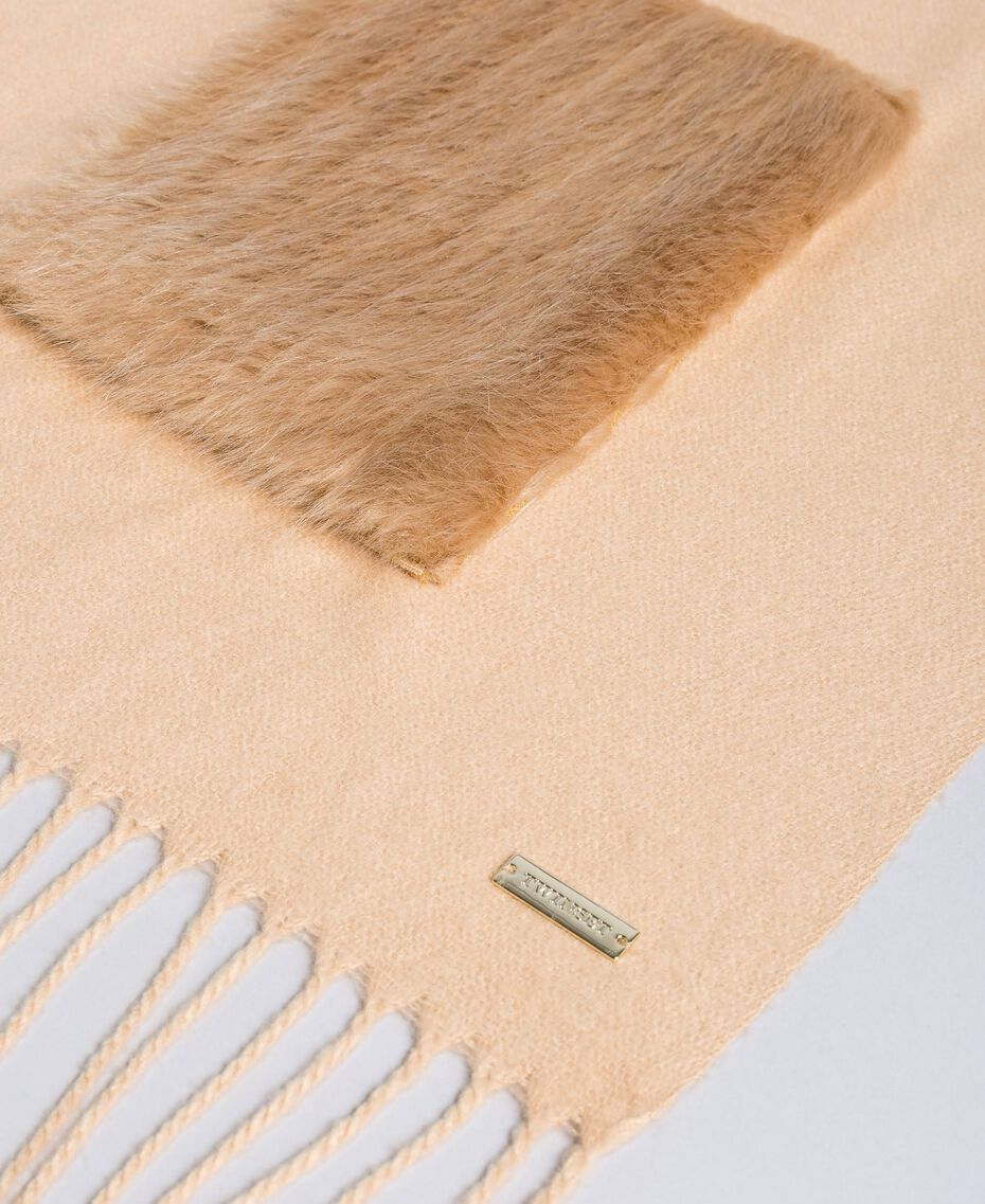 Schal mit Taschen aus Pelzimitat Dünenrosa Frau IA89KK-02
