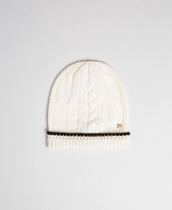 Cable knit beret with logo