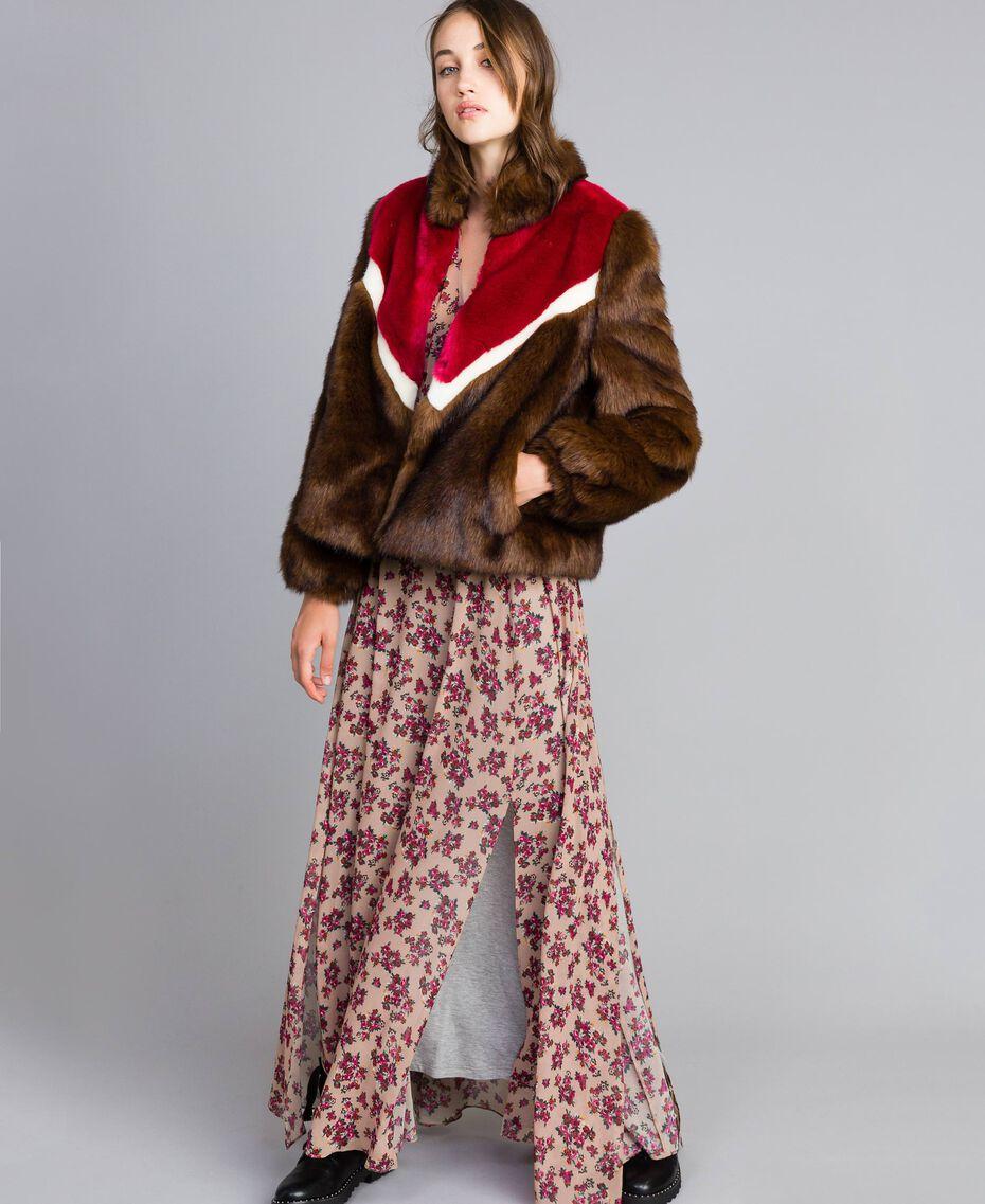 Veste en fausse fourrure avec incrustations Multicolore Acajou / Fuchsia Cerise / Nacre Femme YA82CB-0T