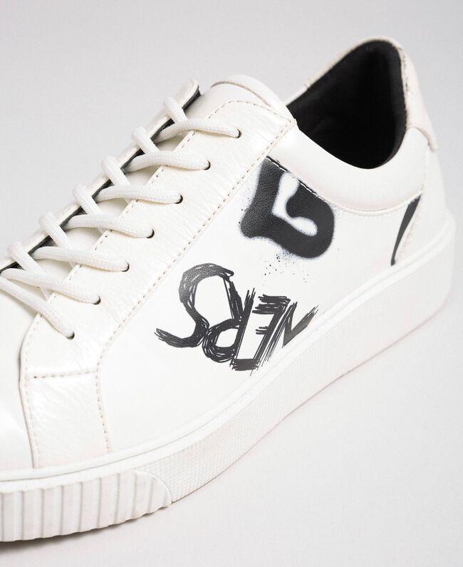 Sneakers aus bedrucktem Lederimitat Graffitiprint Optical Frau 192MCP07A-05