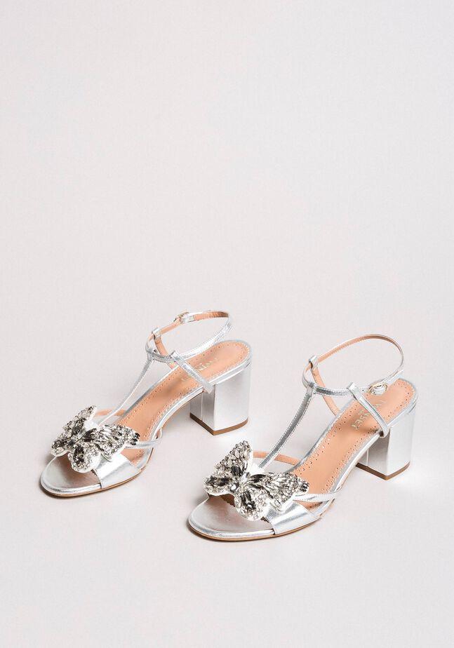 Sandali in pelle con farfalla bijoux