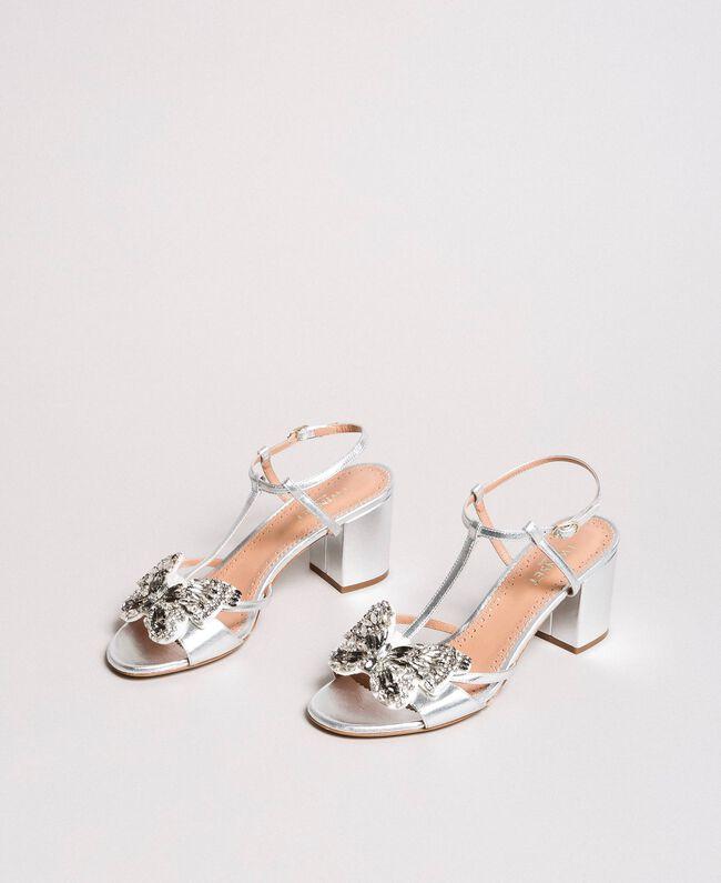 Leder-Sandalen mit Schmuck-Schmetterling Silber Frau 191TCP108-01